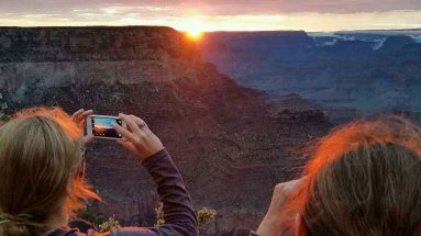 grand-canyon-tour-from-las-vegas-tour-guide-smartphone-tips